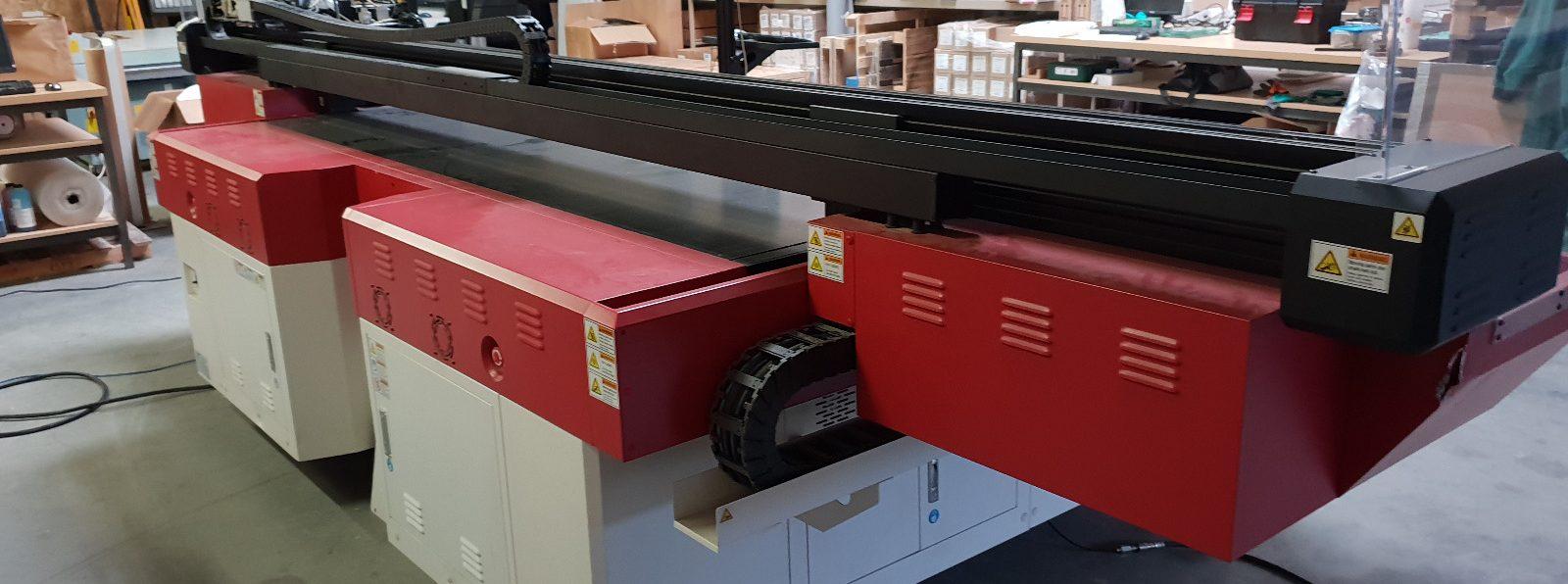 Imprimare pe placă UV